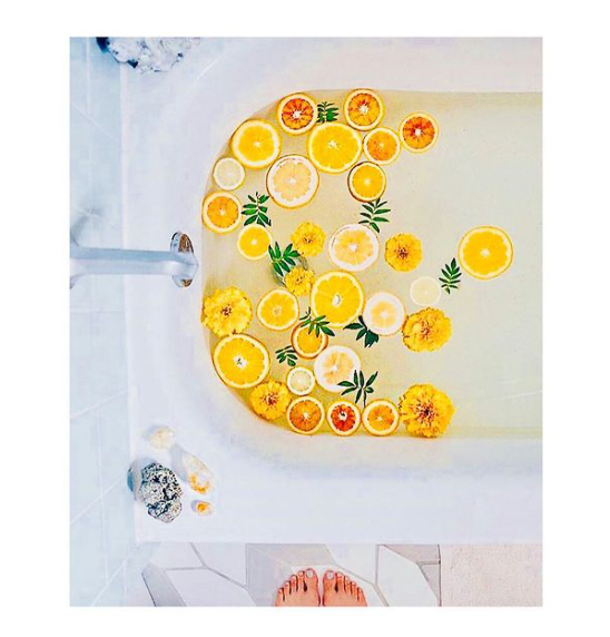orange préssées dans une baignoire